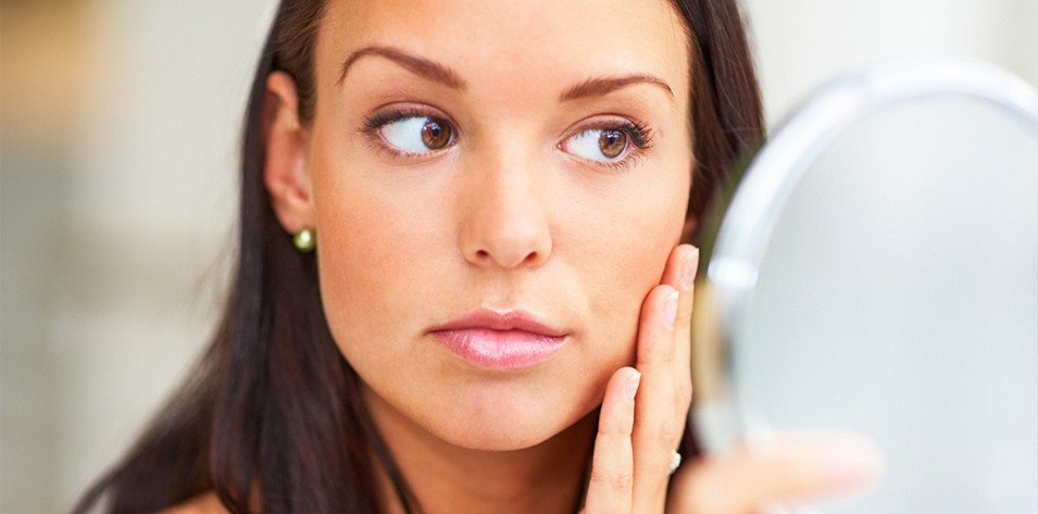 Have age spots, acne scars or clogged pores? Reasons and ways to minimize them